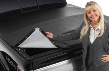 Extang BlackMax Snap Tonneau Cover